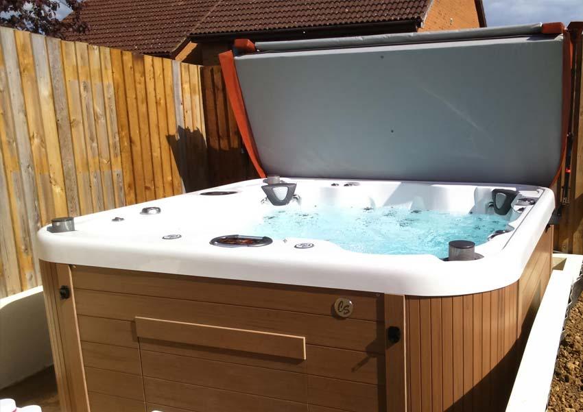 freedom 7 person luxury hot tub coast spas. Black Bedroom Furniture Sets. Home Design Ideas